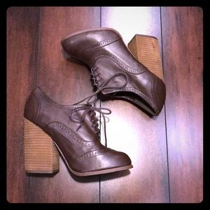 N.Y.L.A. Dazey Chunky Stacked Heel Lace-Up Shoes